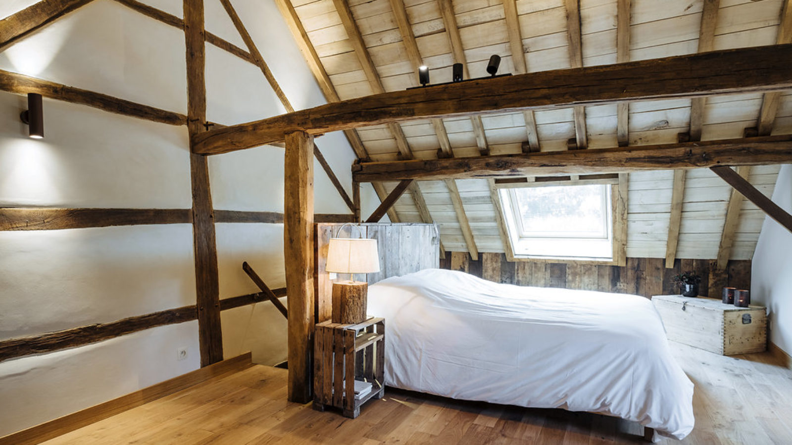 Chambre sous les toits g te du chapy - Chambre sous les toits ...